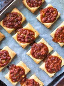 5 Ingredient Puffed Chili Bites