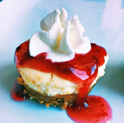 Mini Raspberry Cheesecake Bites With Cookie Crust