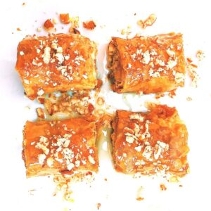 greek baklava with honey syrup