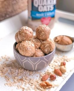 Healthy Peanut Butter Oat Energy Bites