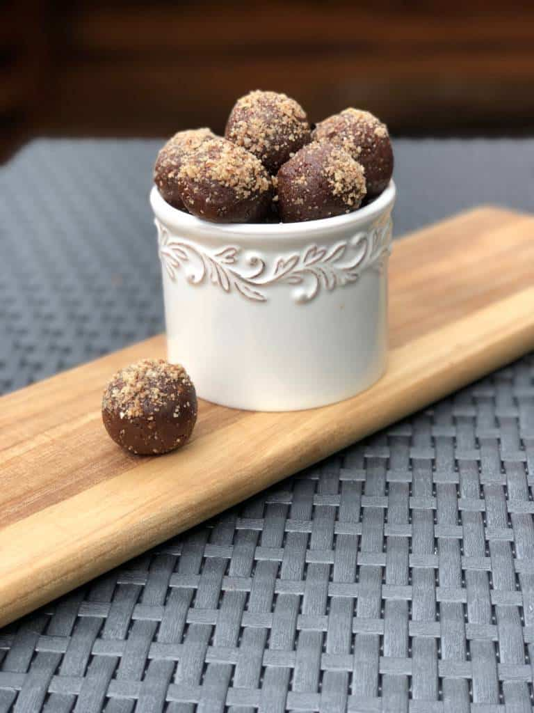 Healthy Chocolate Energy Bites