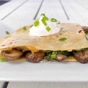 Quesadillas with spinach and mushrooms and spinach.