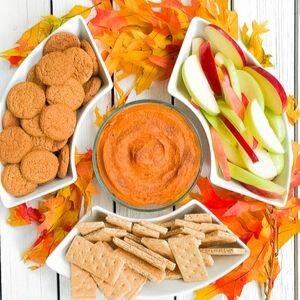 3 Ingredient Pumpkin Puree Spice Dip (With Gingersnaps)