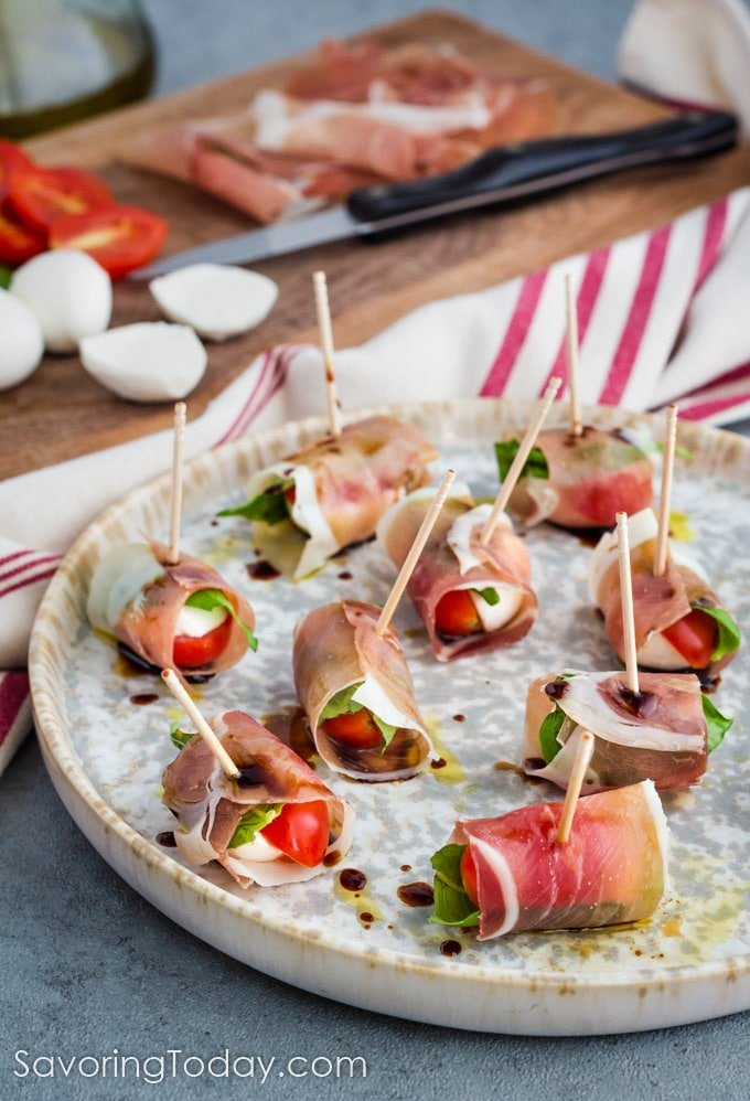 proscuitto caprese party appetizer skewers