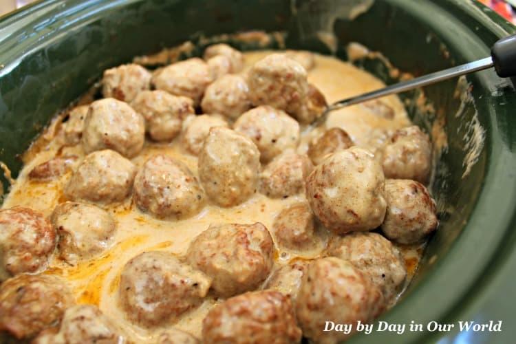 swedish meatballs in crockpot.