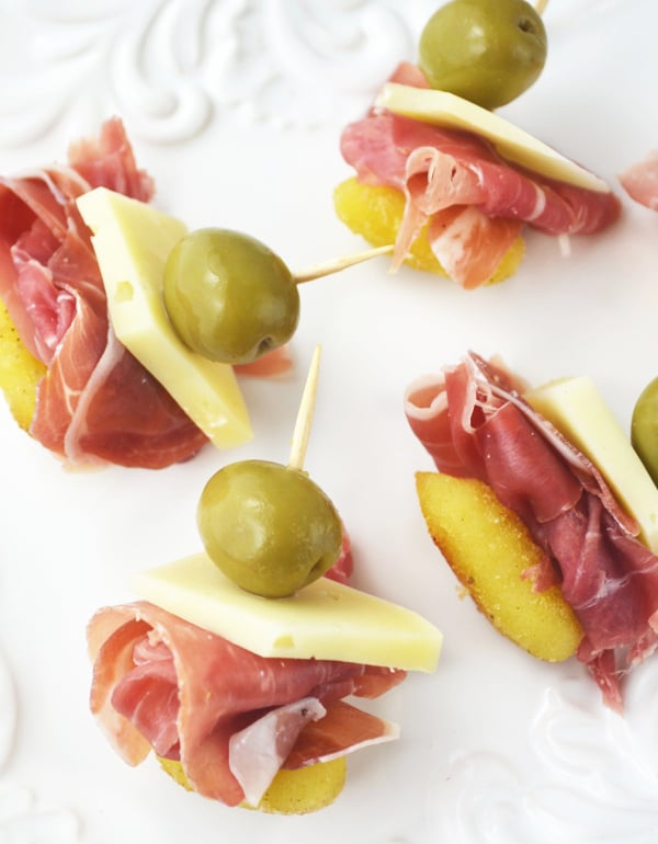gnocchi and prosciutto appetizer skewers