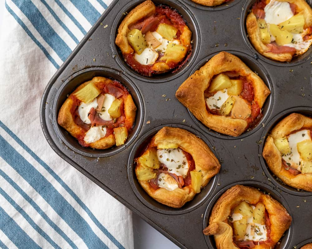 pizza muffin appetizer cups with pineapple and ham