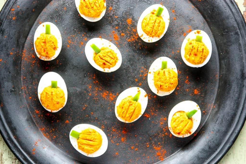 deviled eggs that look like mini pumpkins