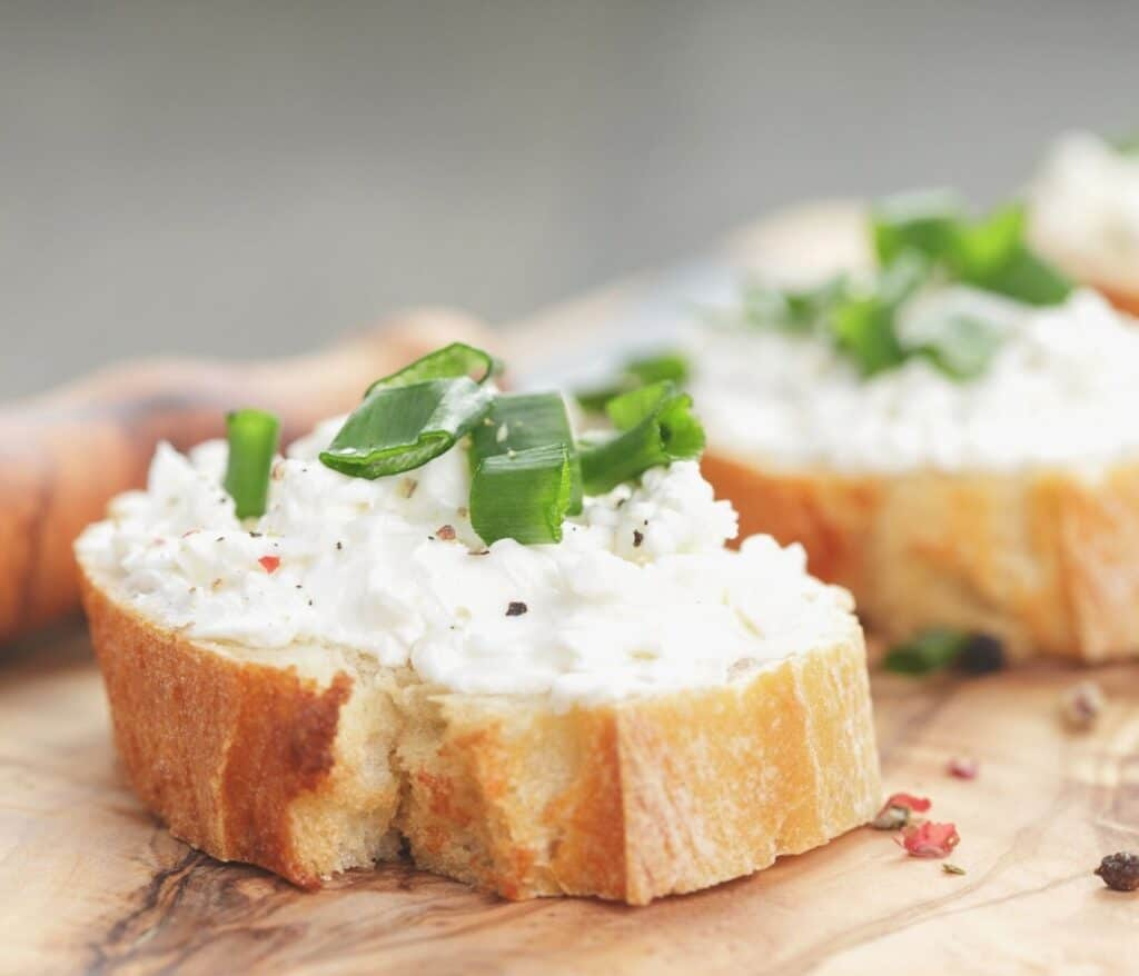 image of crostini with ricotta cheese
